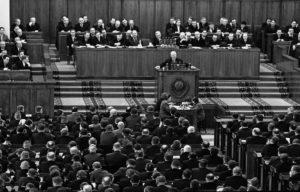 Хрущев против Сталина: доклад на ХХ съезде партии